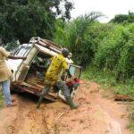 Pas facile facile de rouler sur les pistes du Congo en saison des pluies (1)